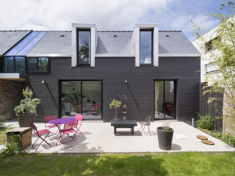 The House Between / Clément Bacle Architecte, © Martin Argyroglo