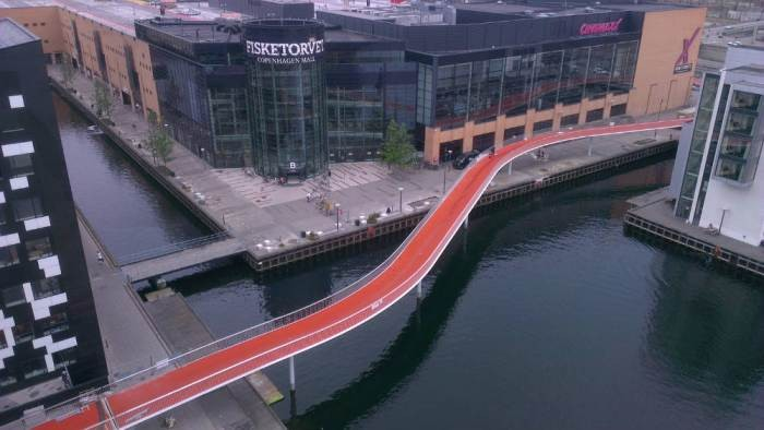"""The Snake"": a nova ponte para ciclistas de Copenhague, Courtesy of Plataforma Urbana"
