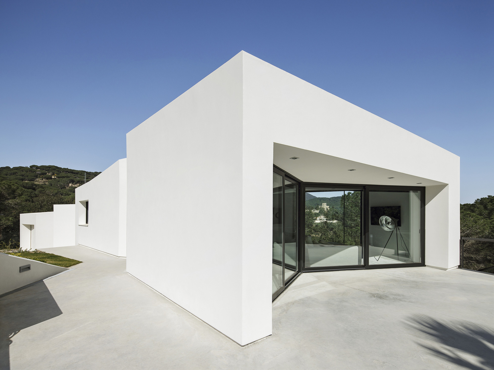 Vivienda en LLavaneres / MIRAG ArquitecturaiGestió