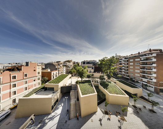 Joan Maragall Library  / BCQ Arquitectura