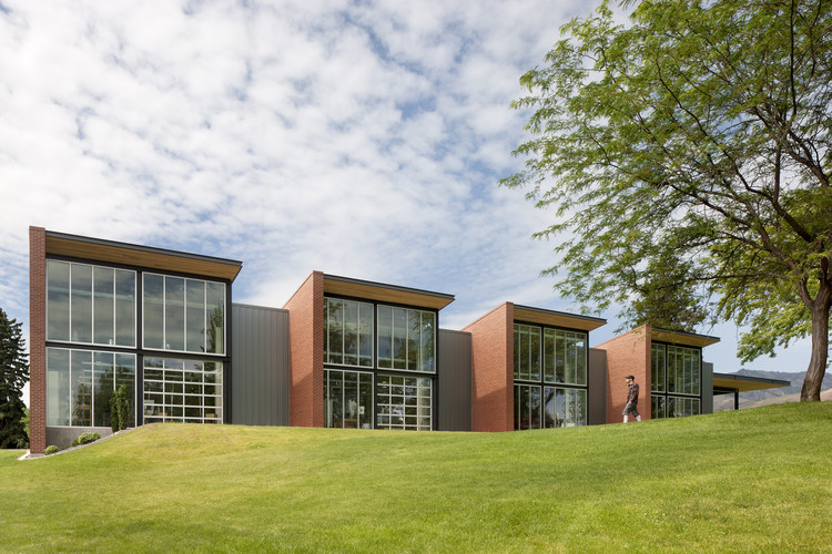 Centro de Música e Artes da Faculdade de Wenatchee Valley / Integrus Architecture, © Lara Swimmer Photography
