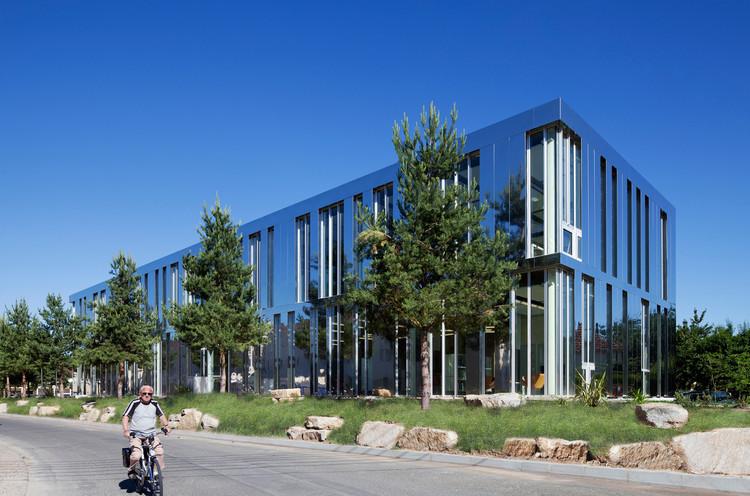 Biblioteca Terrasson / Architecture Patrick Mauger, © Michel Denancé