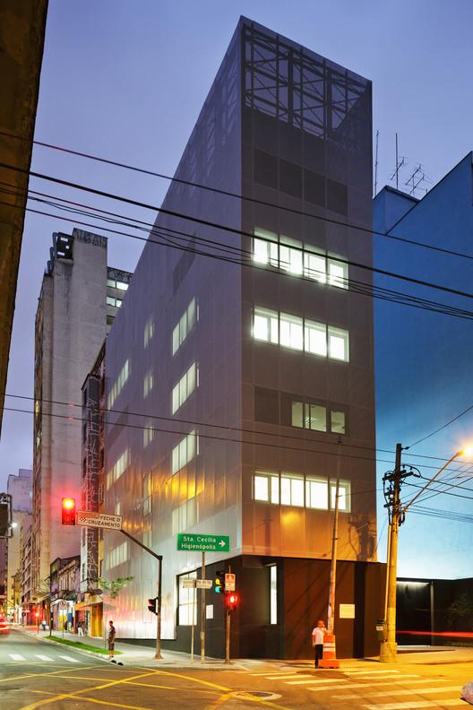 Instituto de Pesquisas da Santa Casa / Andrade Morettin Arquitetos Associados, © Nelson Kon
