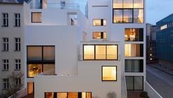 Viviendas en la Vieja Ciudad del Muro de Berlín / Sohrab Zafari