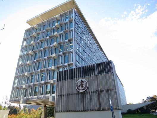 The original WHO Headquarters building designed by Jean Tschumi. Image © Wikimedia CC User Thorkild Tylleskar