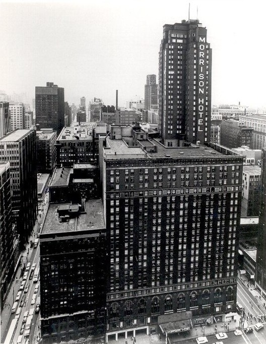 Morrison Hotel, Chicago. Image © SkyscraperPage