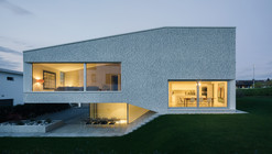 Casa en March District / Kit Architects