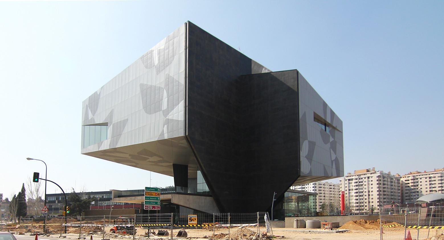 Gallery of caixaforum zaragoza estudio carme pinos 2 for Estudios arquitectura zaragoza