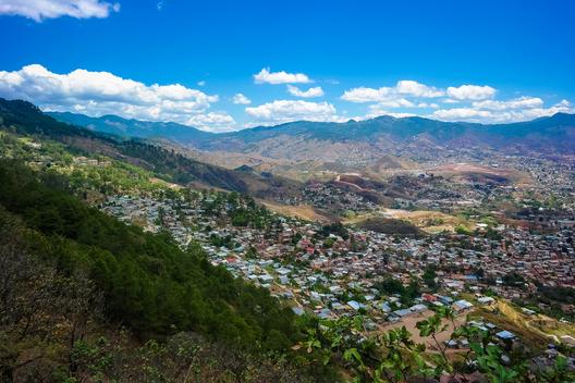 1402893954_tegucigalpa_honduras_por_nan_palmero_via_flickr