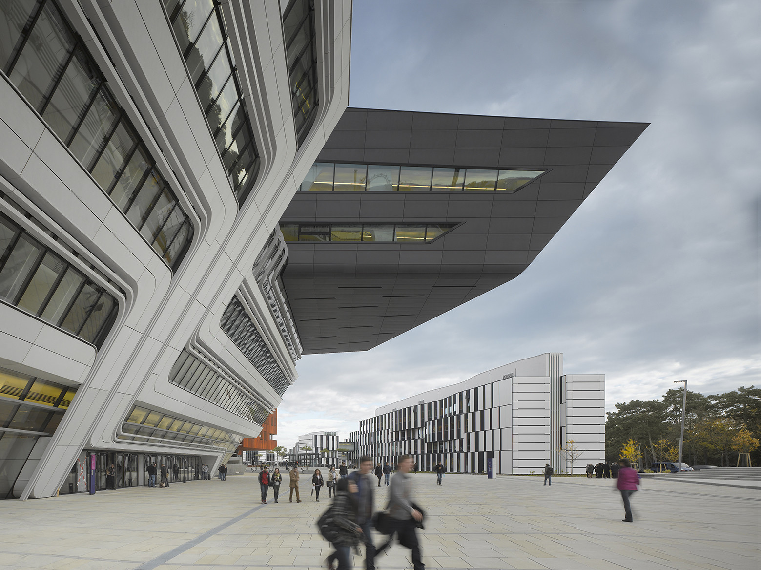 Gallery of library and learning centre university of for Arquitectura zaha hadid