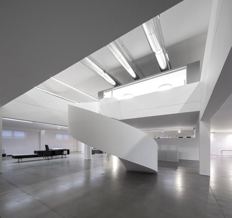 Remodelação de um edifício de escritórios / Moura Martins Architects, © Fernando Guerra | FG+SG