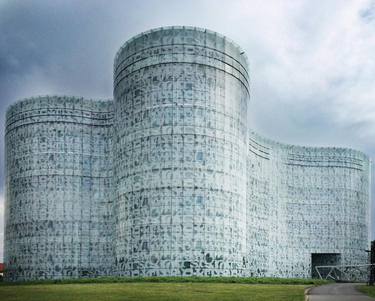 Clássicos da Arquitetura: Biblioteca da Universidade de Cottbus  / Herzog & de Meuron, © Gili Merin