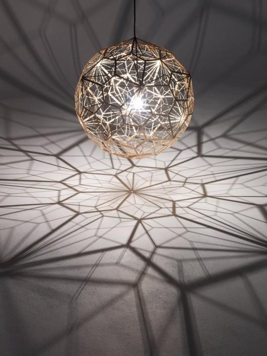 Etch Web: la nueva iluminación geométrica de Tom Dixon