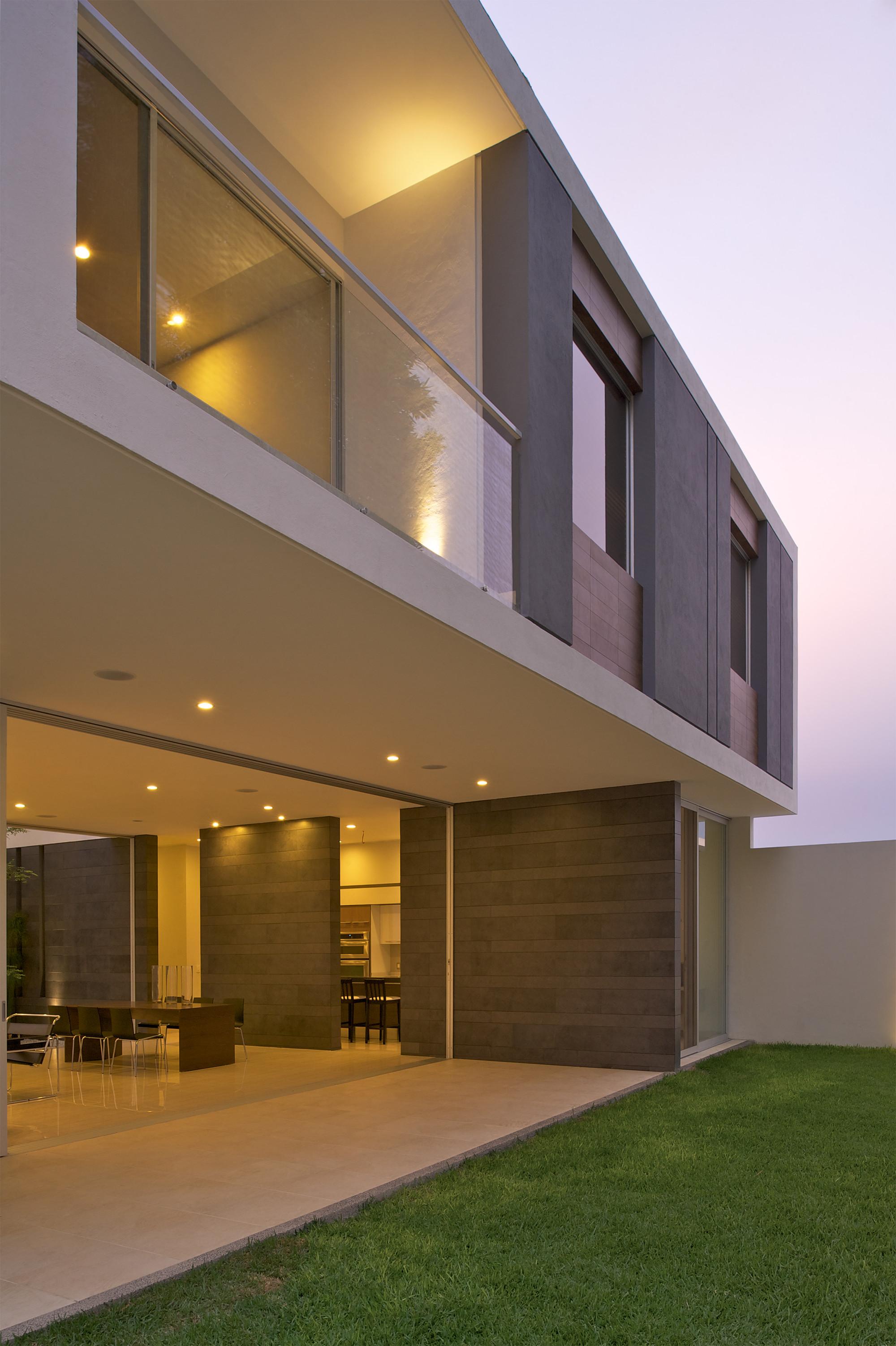 Galeria de casa koz tacher arquitectos 4 for Modelos de techos para galerias