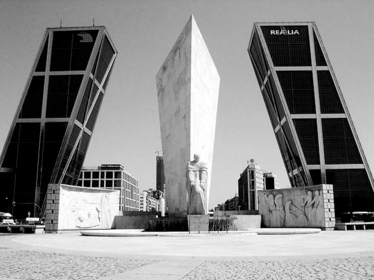 En perspectiva philip johnson plataforma arquitectura - Torres kio arquitecto ...