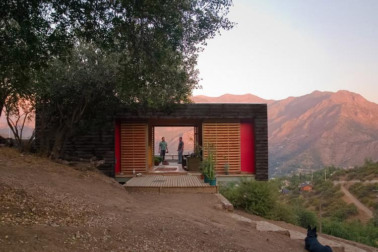 Casa en El Arrayán / Planmaestro + Cristián Schmitt Rivera, © Mathias Jacob
