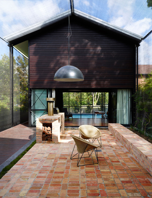 Oxlade Drive House / James Russell Architect, ©  Toby Scott