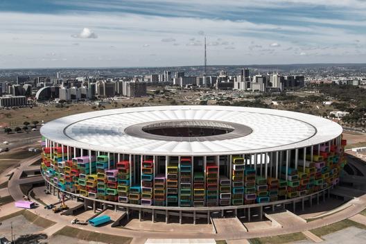 Fotomontagem de 1week1project para o Estádio Nacional de Brasilia / Fotografia Original deTomás Faquini