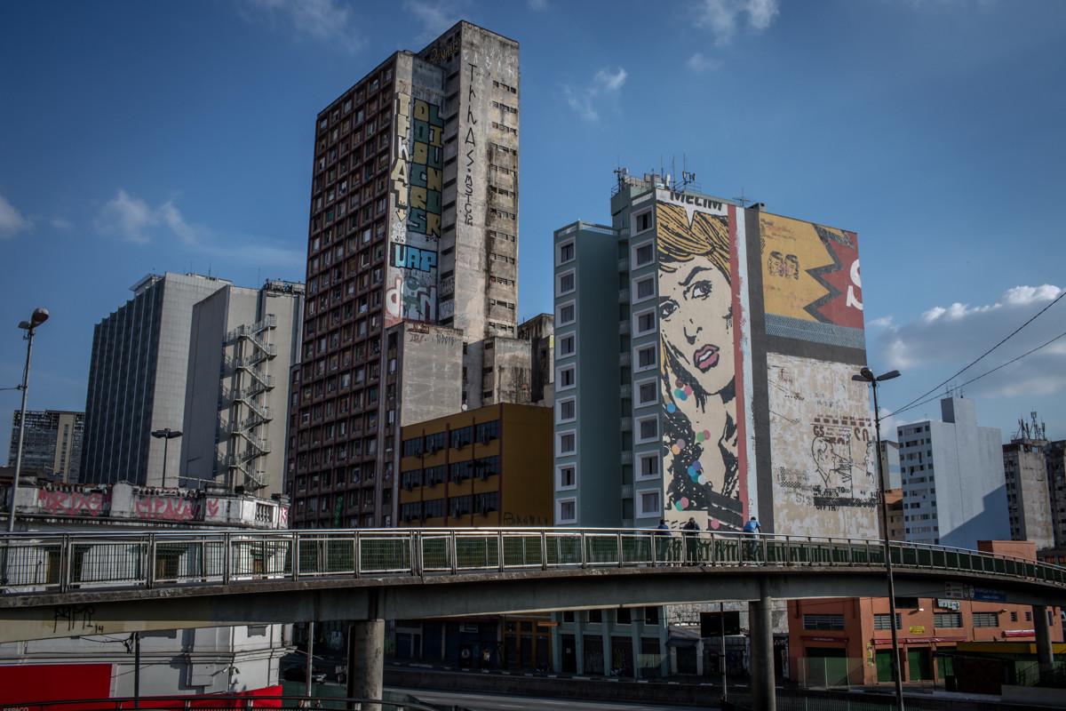 """Ensaio fotográfico """"Copa Ocupada #03"""", por Leandro Moraes, Edifício Prestes Maia na Av. Prestes Maia, centro de São Paulo. Image © Leandro Moraes"""
