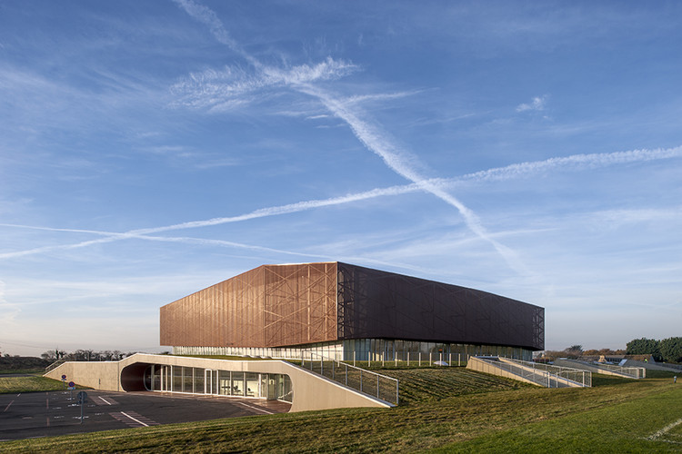 Gimnasio Plabennec / Bohuon Bertic Architectes, © Patrick Miara