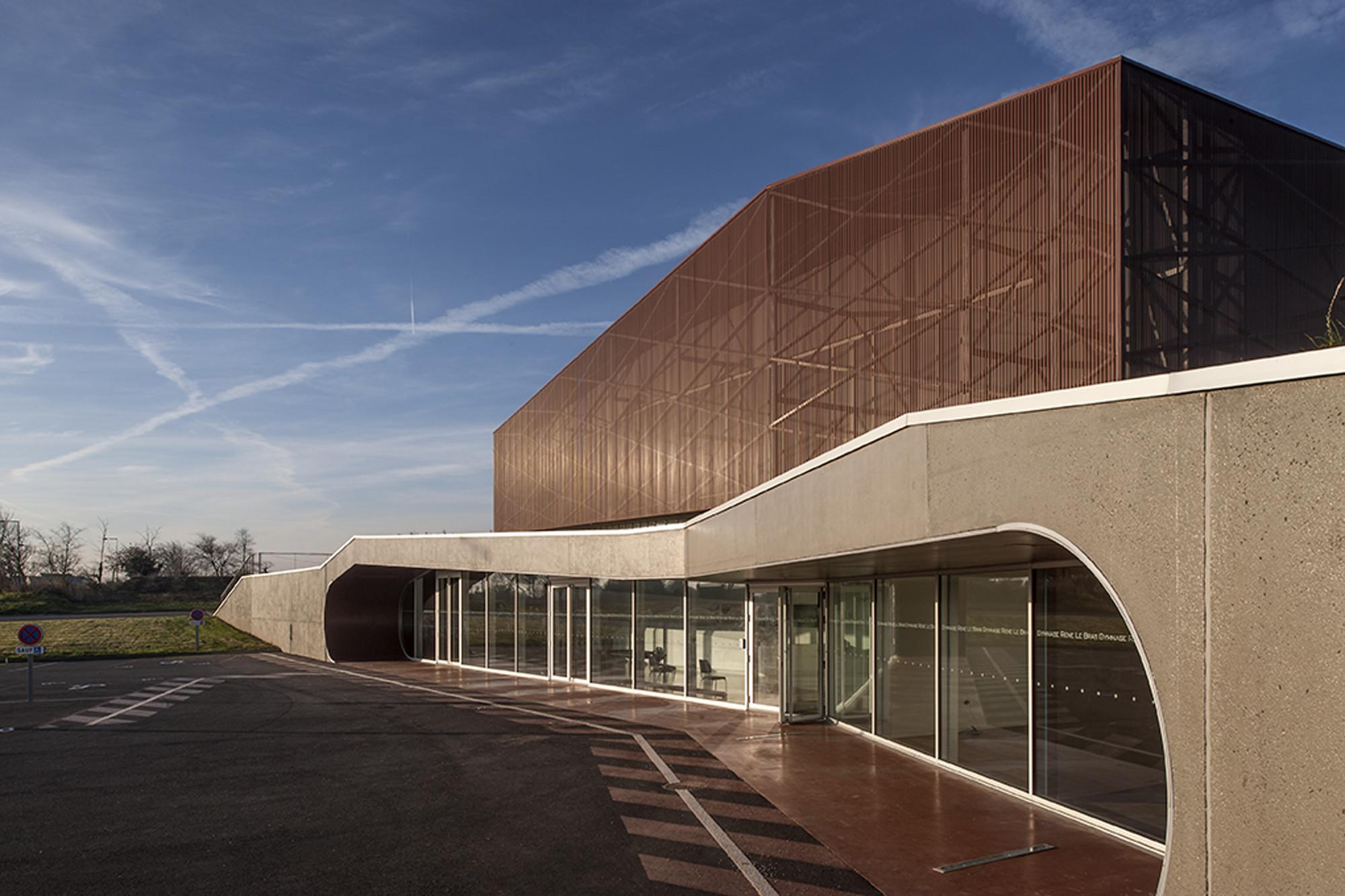 Galer a de gimnasio plabennec bohuon bertic architectes 19 for Gimnasio 19
