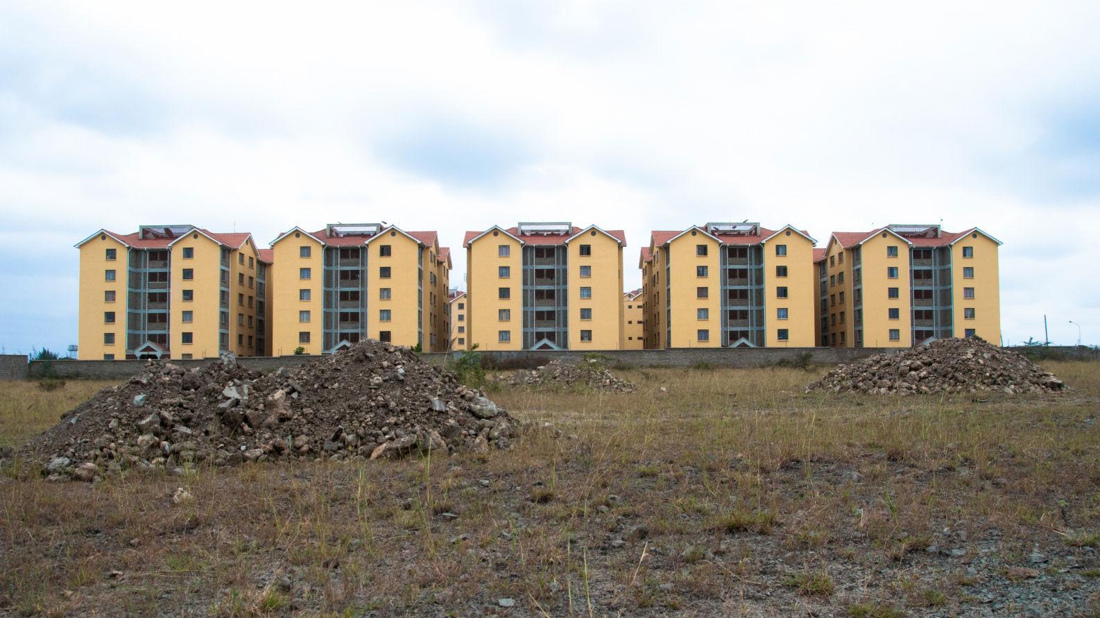 El urbanismo chino está transformando las ciudades africanas, Los Apartamentos Gran Muralla, un proyecto residencial en Nairobi, Kenia. Imagen cortesía de Go West Project.