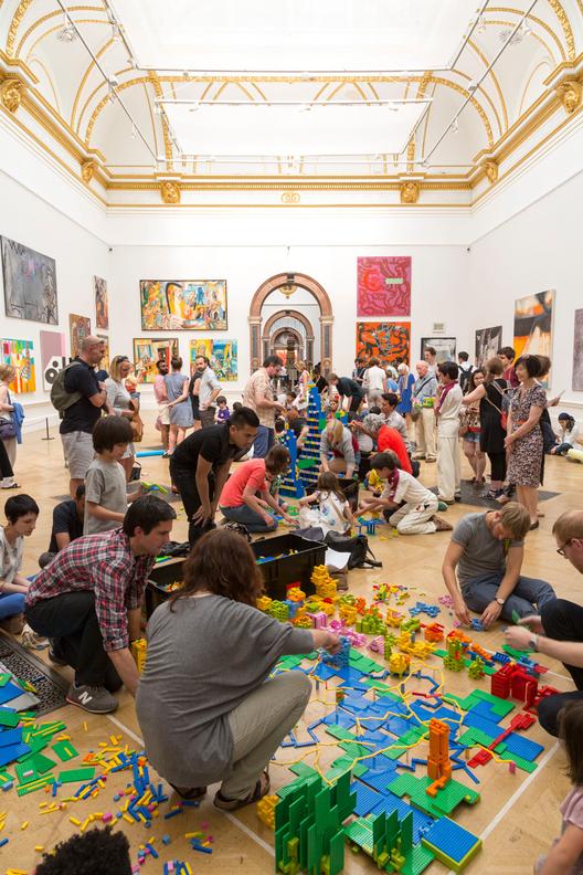 Arte y Arquitectura: Zaha Hadid construye una ciudad de LEGO® para el Festival de Arquitectura de Londres, Evento London Festival of Architecture promovido por Royal Academy of Arts. Image © © agnese sanvito