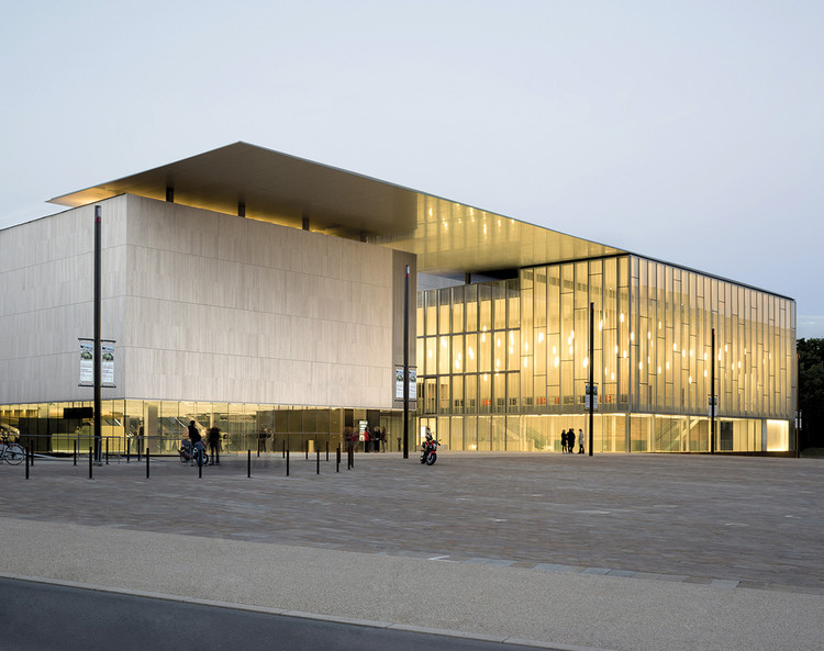 Centro Cultural Les Quinconces / Babin+Renaud, © Cécile Septet