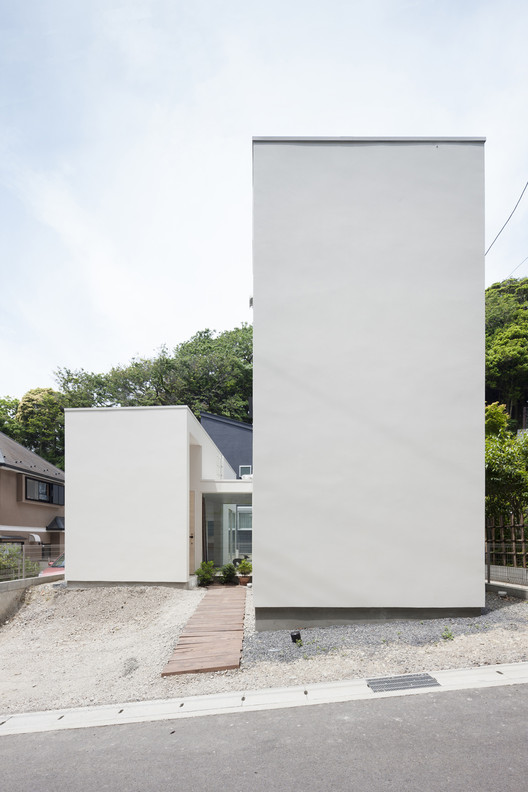 House in Gokurakuji / Naoya Kawabe Architect & Associates, © Shinkenchiku-sha