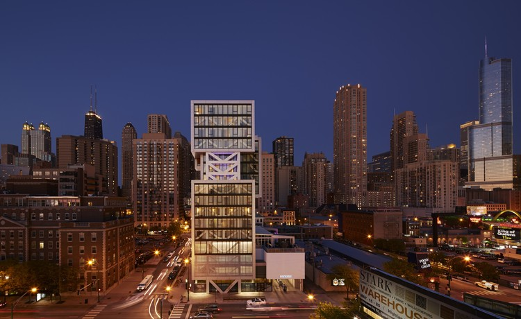 The Godfrey Hotel / Valerio Dewalt Train Associates, © Steve Hall/Hedrich Blessing