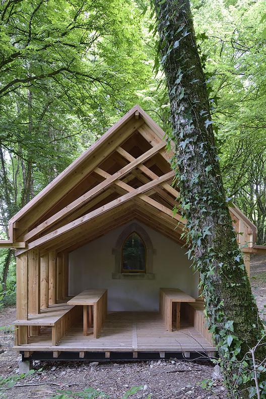 Capilla St Genevieve / OBIKA Architecture, © Nicolas Waltefaugle