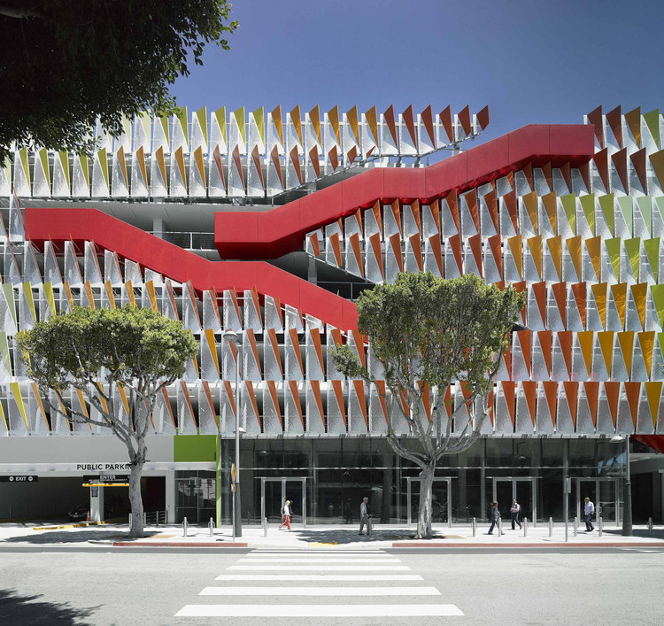 City of Santa Monica Parking Structure #6 / Behnisch Architekten + Studio Jantzen, © David Matthiessen