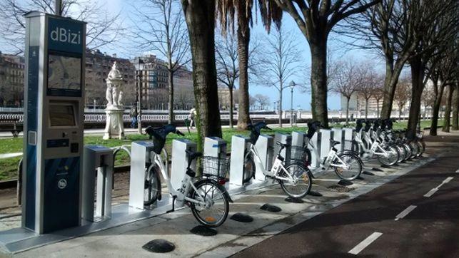 Madri inaugura sistema público de bicicletas elétricas