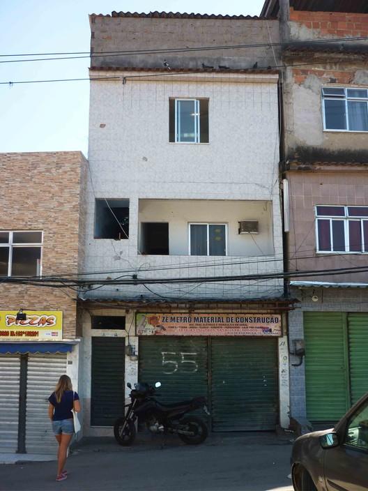 How To Build A Favela House