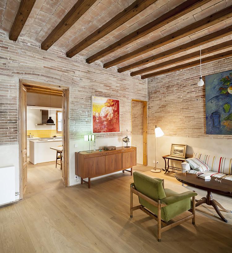 Renovação de um apartamento em Eixample / Sergi Pons, © Adrià Goula