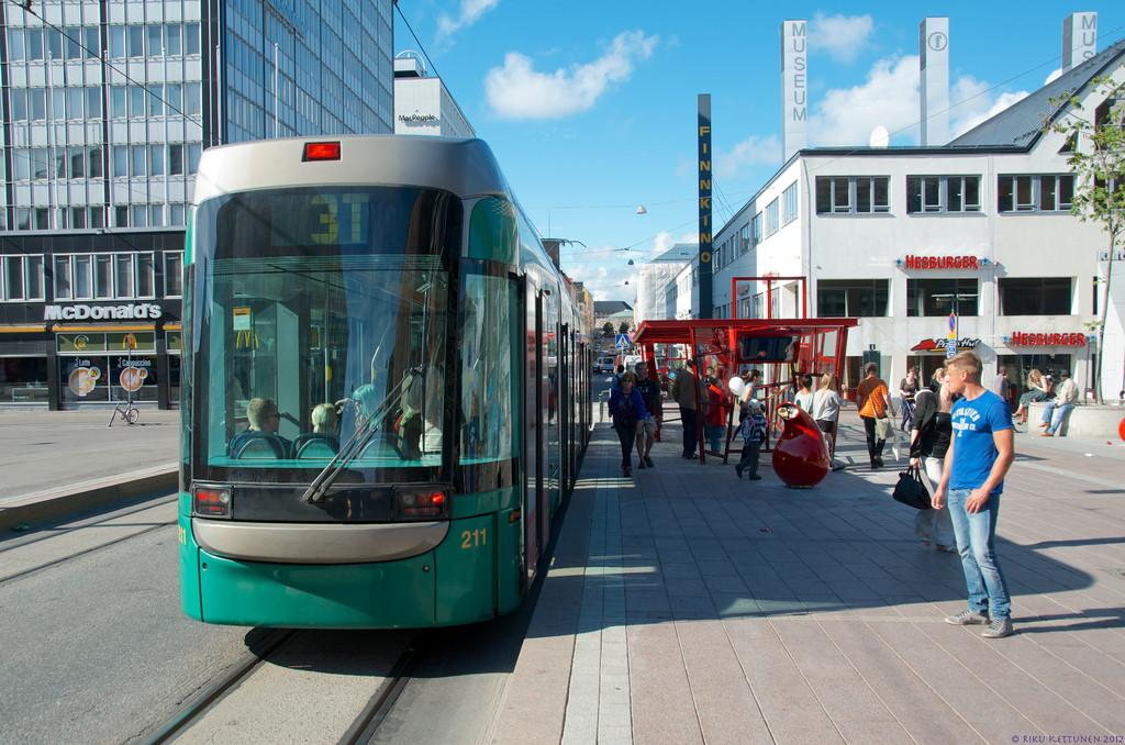 Em 2025 os habitantes de Helsinki não terão mais razões para possuir um carro, Helsinki, Finlândia. © Riku Kettunen, via Flickr. Used under <a href='https://creativecommons.org/licenses/by-sa/2.0/'>Creative Commons</a>