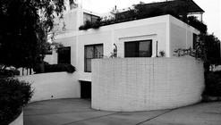 Clásicos de Arquitectura: Edificio Multifamiliar en Calle José Granada / Teodoro Cron