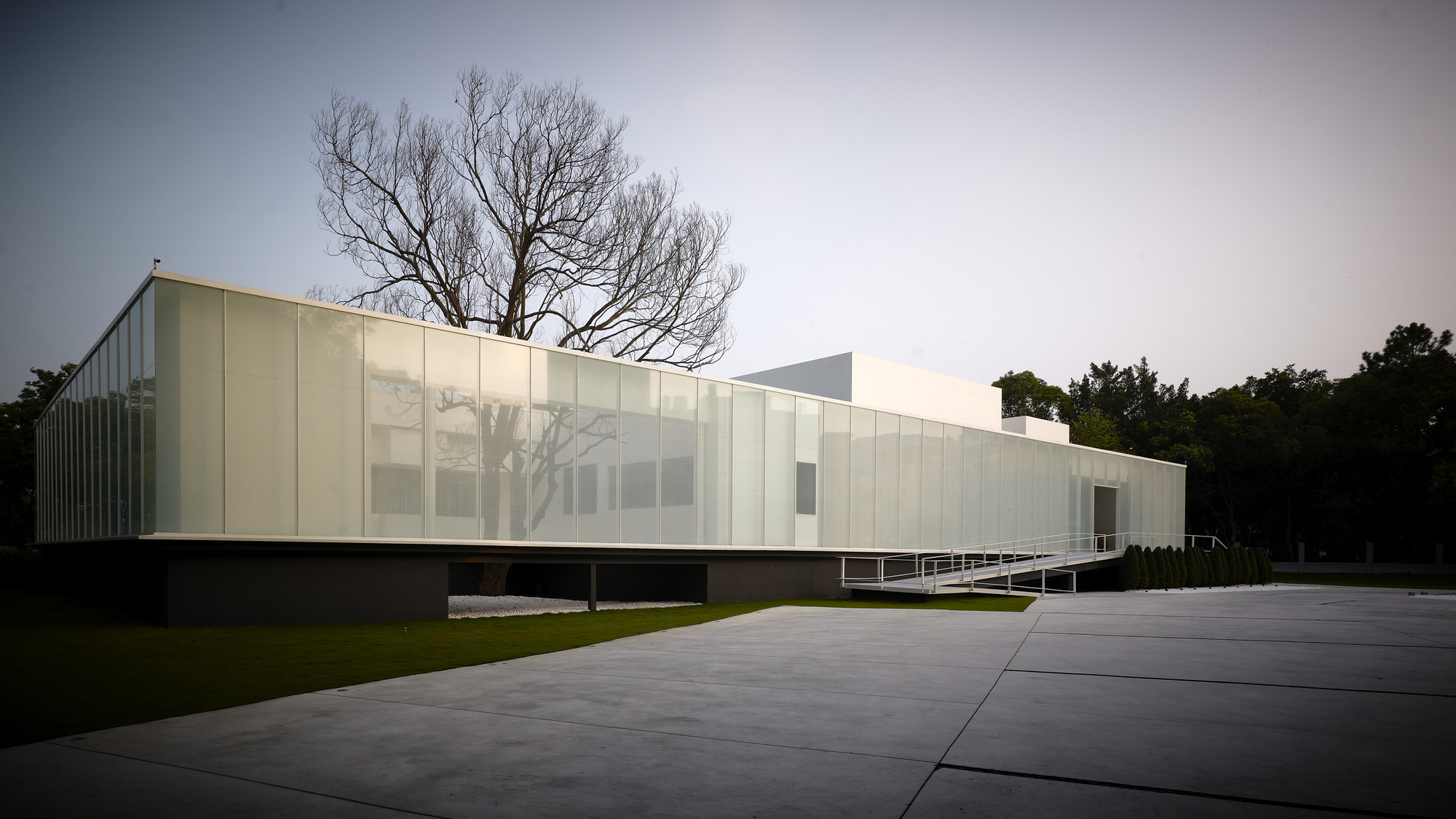 Galer a de lightbox hsuyuan kuo architect associates 1 for Architect associates