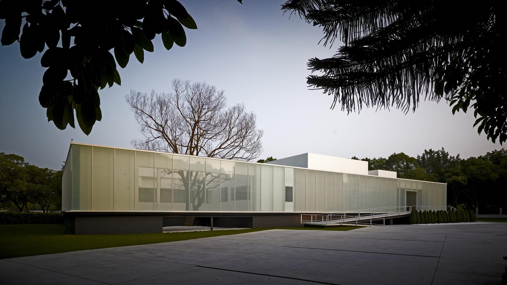 Gallery of lightbox hsuyuan kuo architect associates 22 for Architect associates