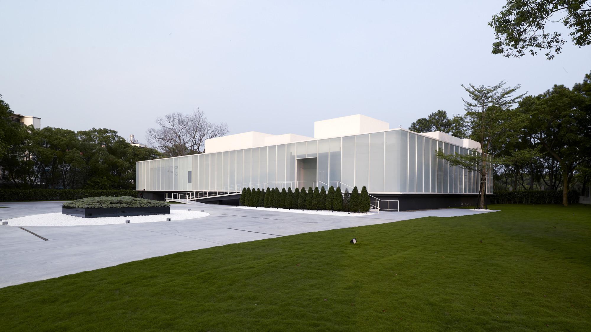 Gallery of lightbox hsuyuan kuo architect associates 16 for Architect associates