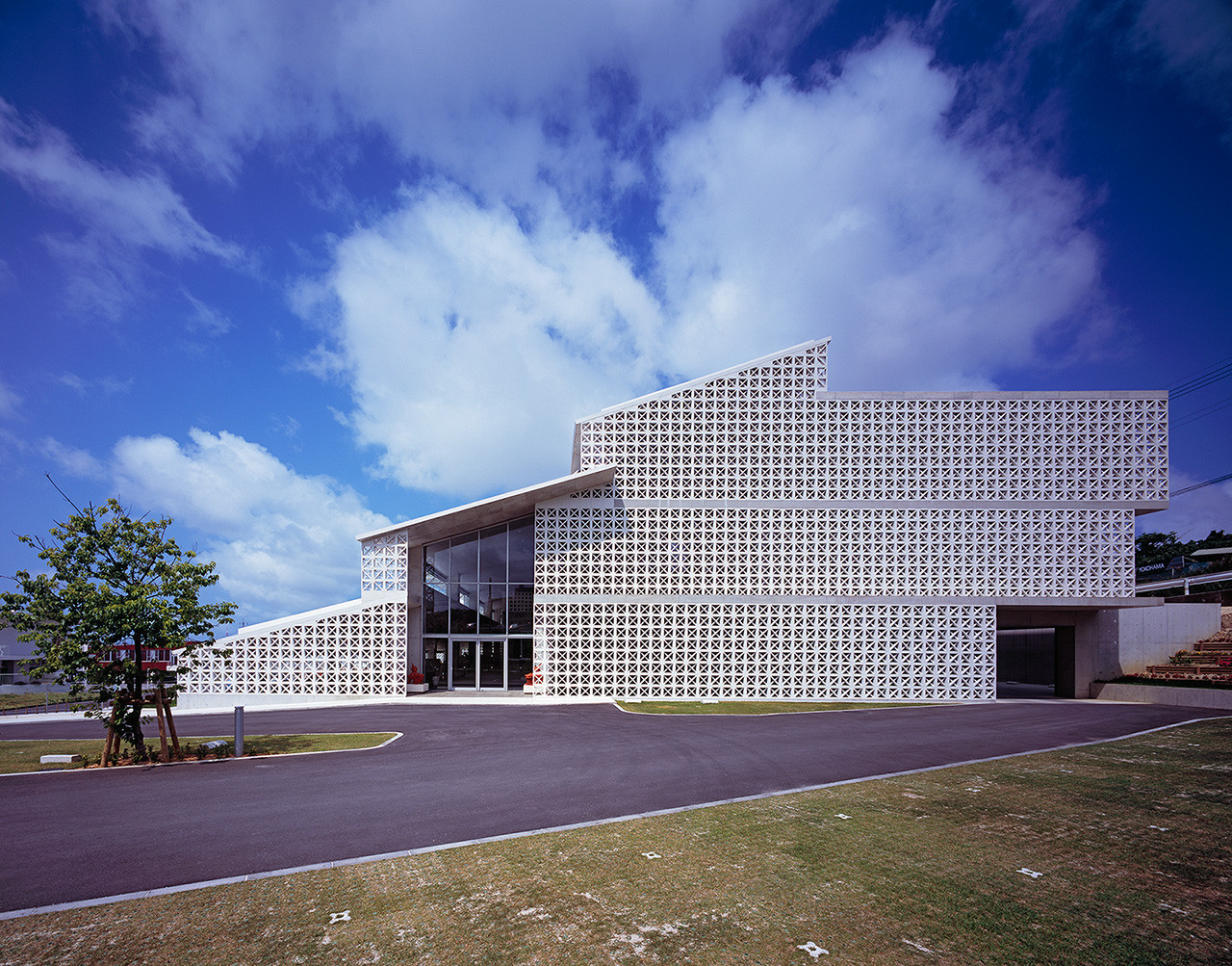 Okinawa Nursing Training Center / IIDA Archiship Studio, © Kenichi Suzuki
