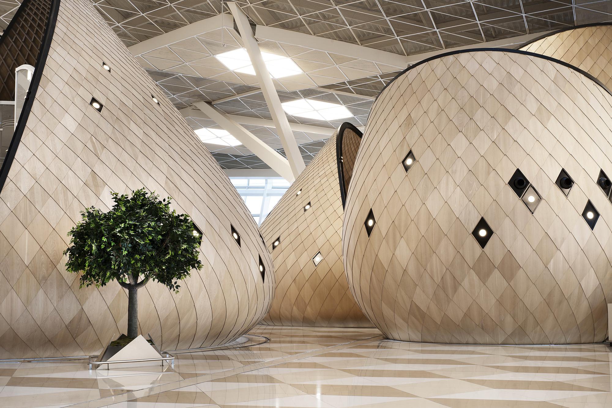 Heydar Aliyev International Airport Baku  /  Autoban, © Kerem Sanliman