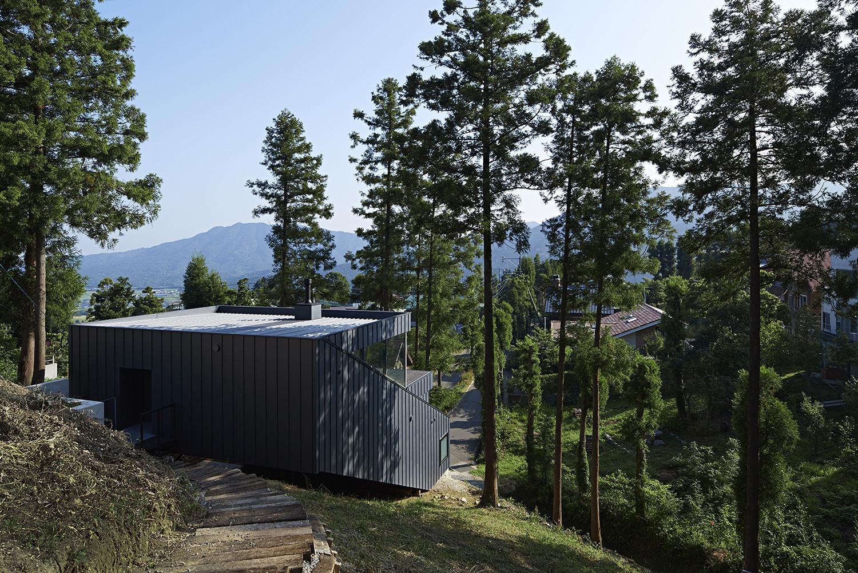 House in Raizan-Forest / Rhythmdesign, © Koichi Torimura