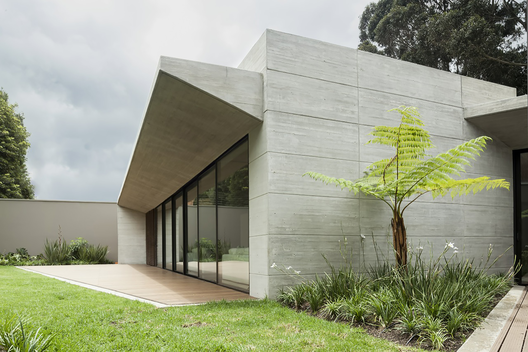 H_h_arquitectos_casa_cr_(14)