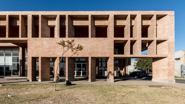Hospital Municipal Villa el Libertador Príncipe de Asturias / Santiago Viale + Ian Dutari + Alejandro Paz , © Gonzalo Viramonte