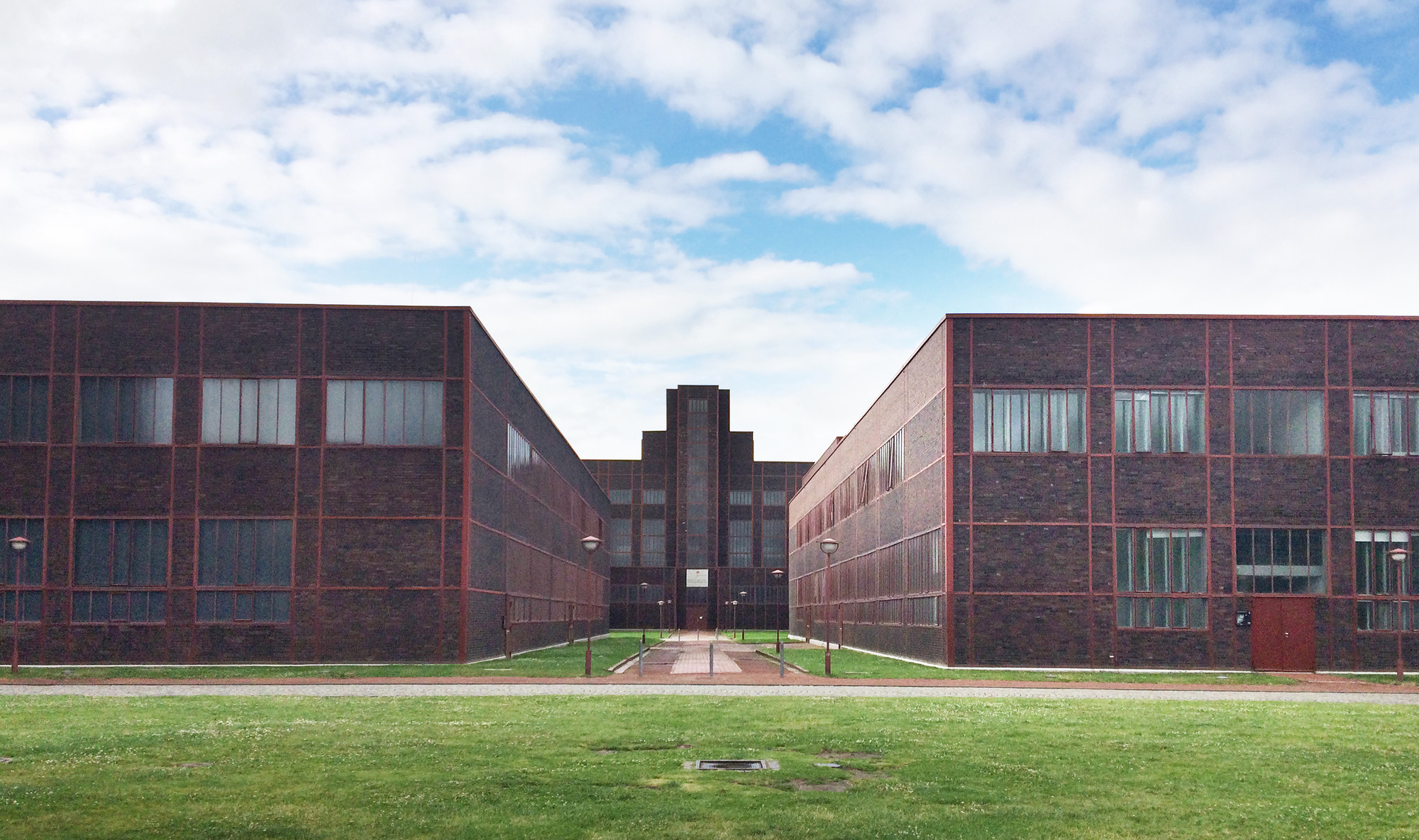 A photographic journey through zollverein post industrial for Red landscape architects