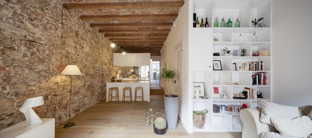 Interior Renovation Of An Apartment In Les Corts,© Adrià Goula