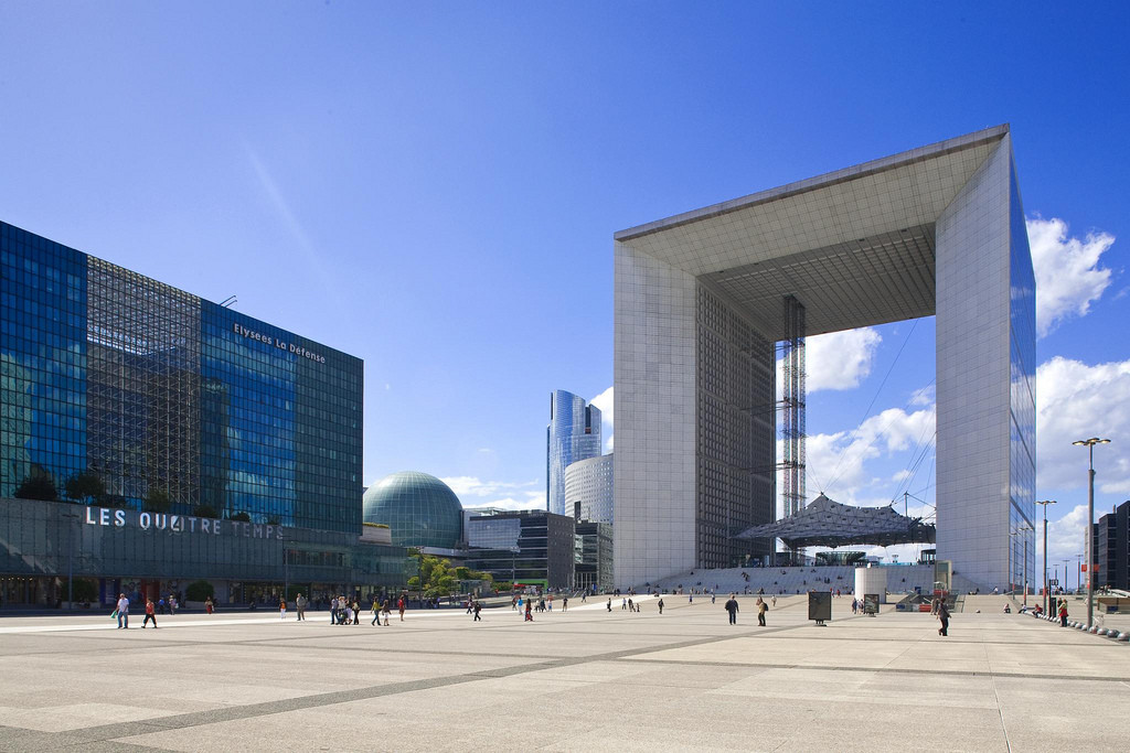 Paris' Grande Arche to get €200 million Revamp, © Pete Sieger