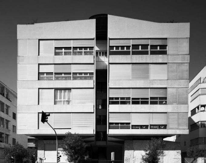 "Clásicos de Arquitectura: Casa ""Il Girasole"" / Luigi Moretti, © Gabriele Basilico"
