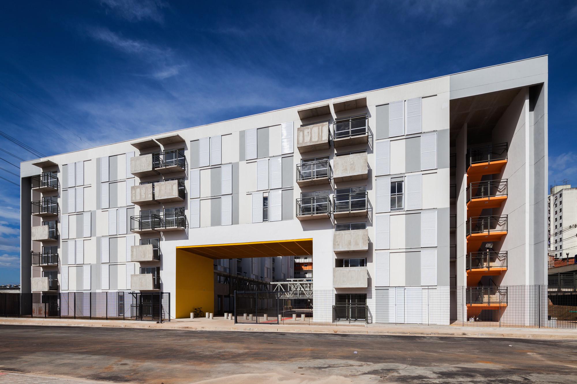 heli u00f3polis social housing    biselli katchborian arquitetos
